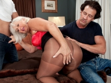 Jeannie Lou's Dual Penetration Adventure