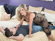 The stud who's rogering her is younger than her son