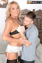 Mia makes a cuckold out of her hubby