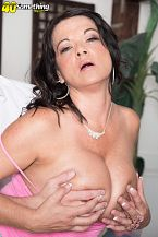 1990s big-tit star Betty Boobs rides one more time!